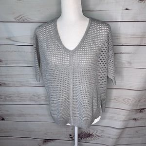 Ann Taylor • light knit short sleeve sweater Small